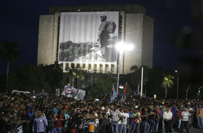 L'Avana, ultimo saluto a Fidel Castro (ANSA Photo Ricardo Mazalan).